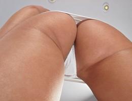 Nice upskirt in pantyhose gallery Image 3