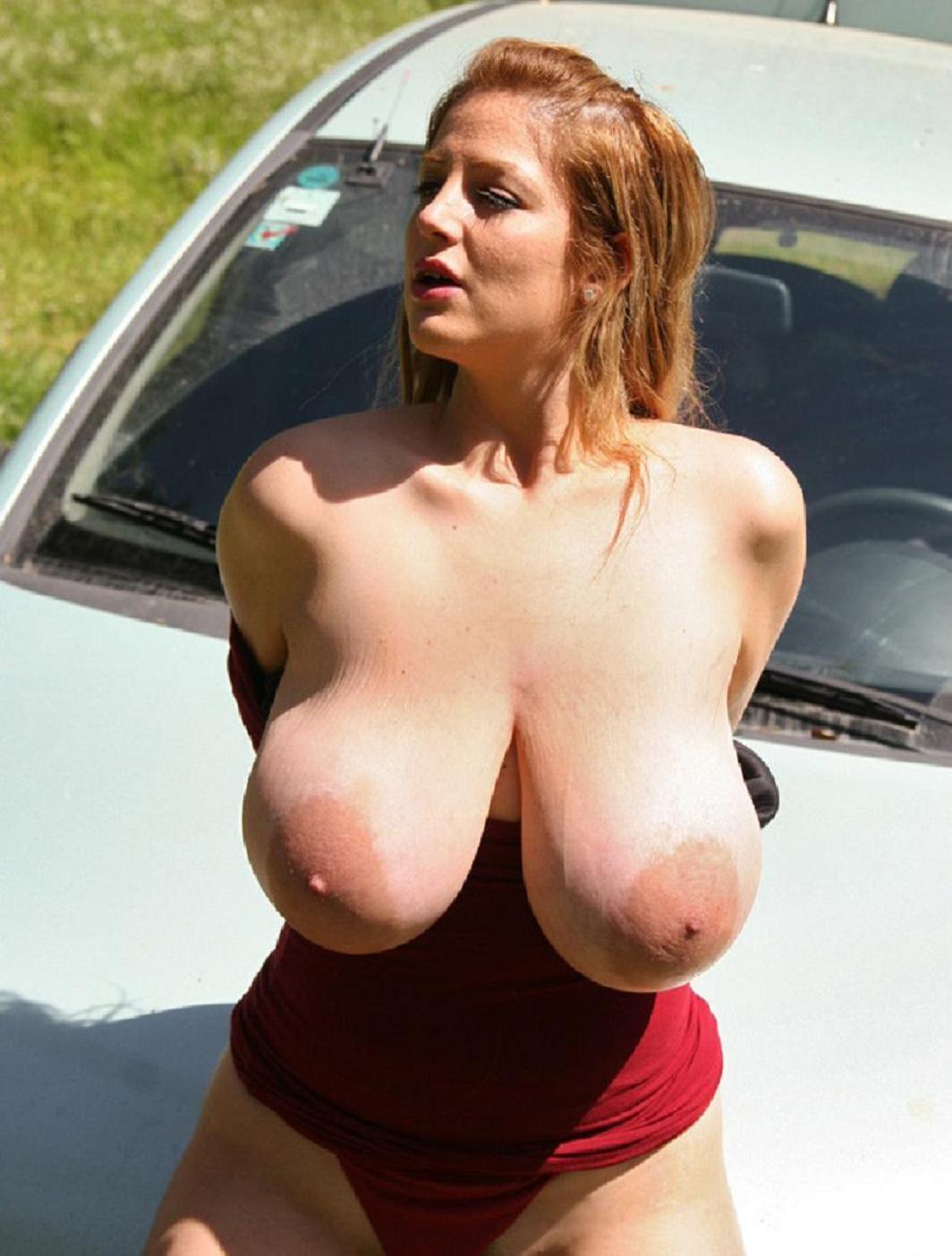 Big Tits Russian Babe Pics