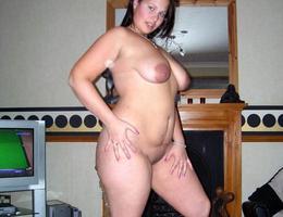 Chubby slut posing on her bed gellery Image 8