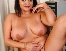 Chubby but cute gall Image 8
