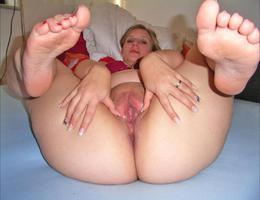 Sexy chubby blonde lady ahare her private photos galery Image 3
