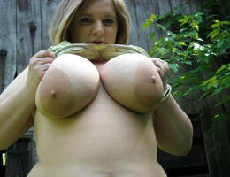 Sexy chubby blonde girl ahare her private photos series Image 3