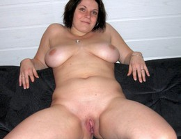 Nice chubby shows us her body set Image 3