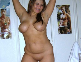Nice chubby shows us her body set Image 6