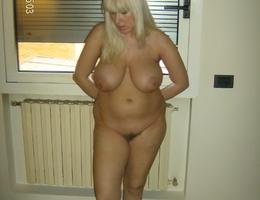 Chubby and BBW big tit amateur females gellery Image 8