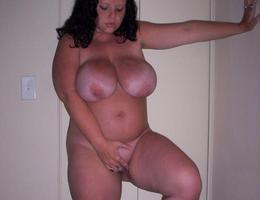Nice chubby amat milf set Image 9