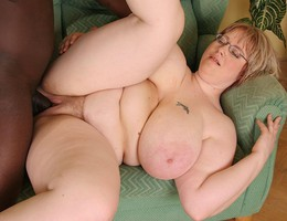 BBW wide open lips set Image 1