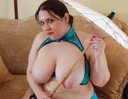 BBW lady with huge boobs gallery Image 5