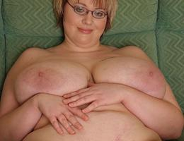 Very sexy BBW with huge tits pics Image 1