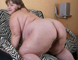 Huge fat babes juggs bbw pics Image 3