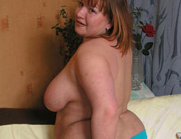 A selection of BBW women with beautiful feet images Image 4