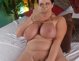 BBW wife with saggy droopy tits gellery Image 8