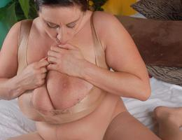 Sexy BBW bodies gelery Image 1