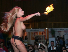 Adult expo girls gall Image 1