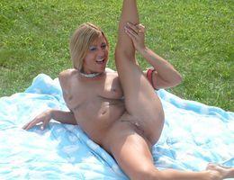 Adult Expo Cut Exotic Dancer gelery Image 8