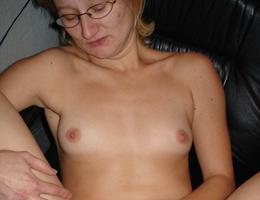 Nice amat milf show her body gall Image 9