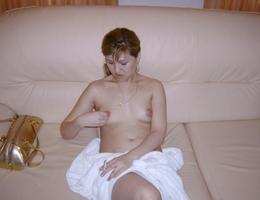 Nice amat milf show her body gellery Image 9