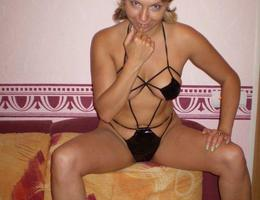 Beautiful MILF's gall Image 7