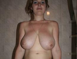 Big tits MILF - private shots Image 8