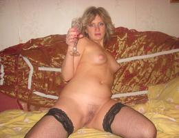 Nice milf waiting for something galery Image 3
