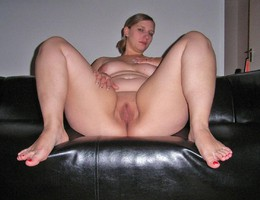 Sexy chubby blonde slut ahare her private photos gelery Image 5