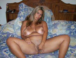 Sexy chubby blonde lady ahare her private photos galery Image 6