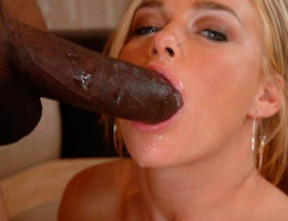 Horny slut loves to suck and fuck big cocks gelery Image 4