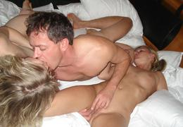 Hot swinger action pics Image 4