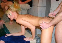 Swinger Wife Loves To penetrat Image 1