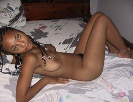 Ebony butts gelery Image 1