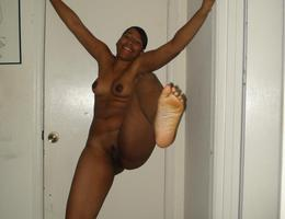 Ebony butts gelery Image 7