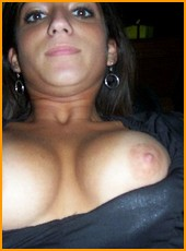 busty_girlfriends_000148.jpg