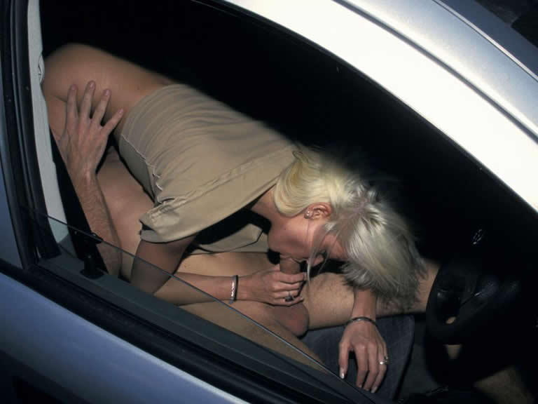 помог минет в машине ночью нее очередной