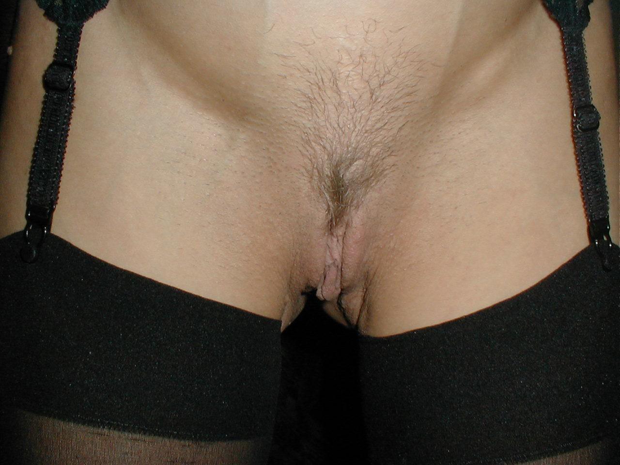 http://pbs-2.adult-empire.com/85/8570/003/pic/1.jpg