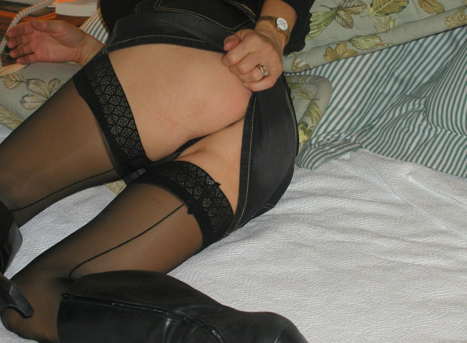 http://pbs-2.adult-empire.com/85/8570/003/pic/3.jpg