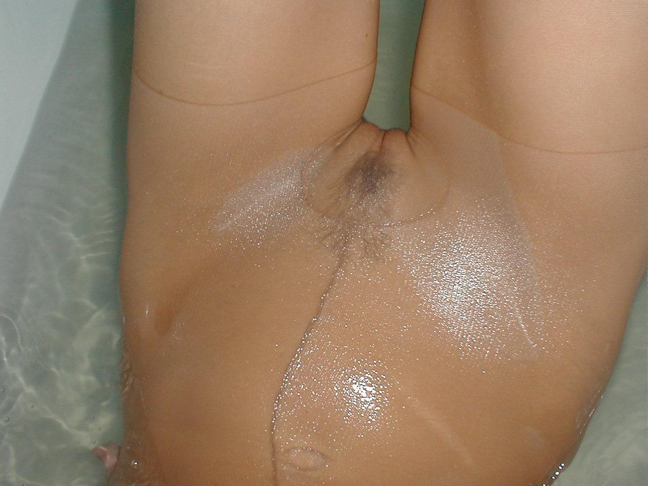 http://pbs-2.adult-empire.com/85/8570/005/pic/2.jpg