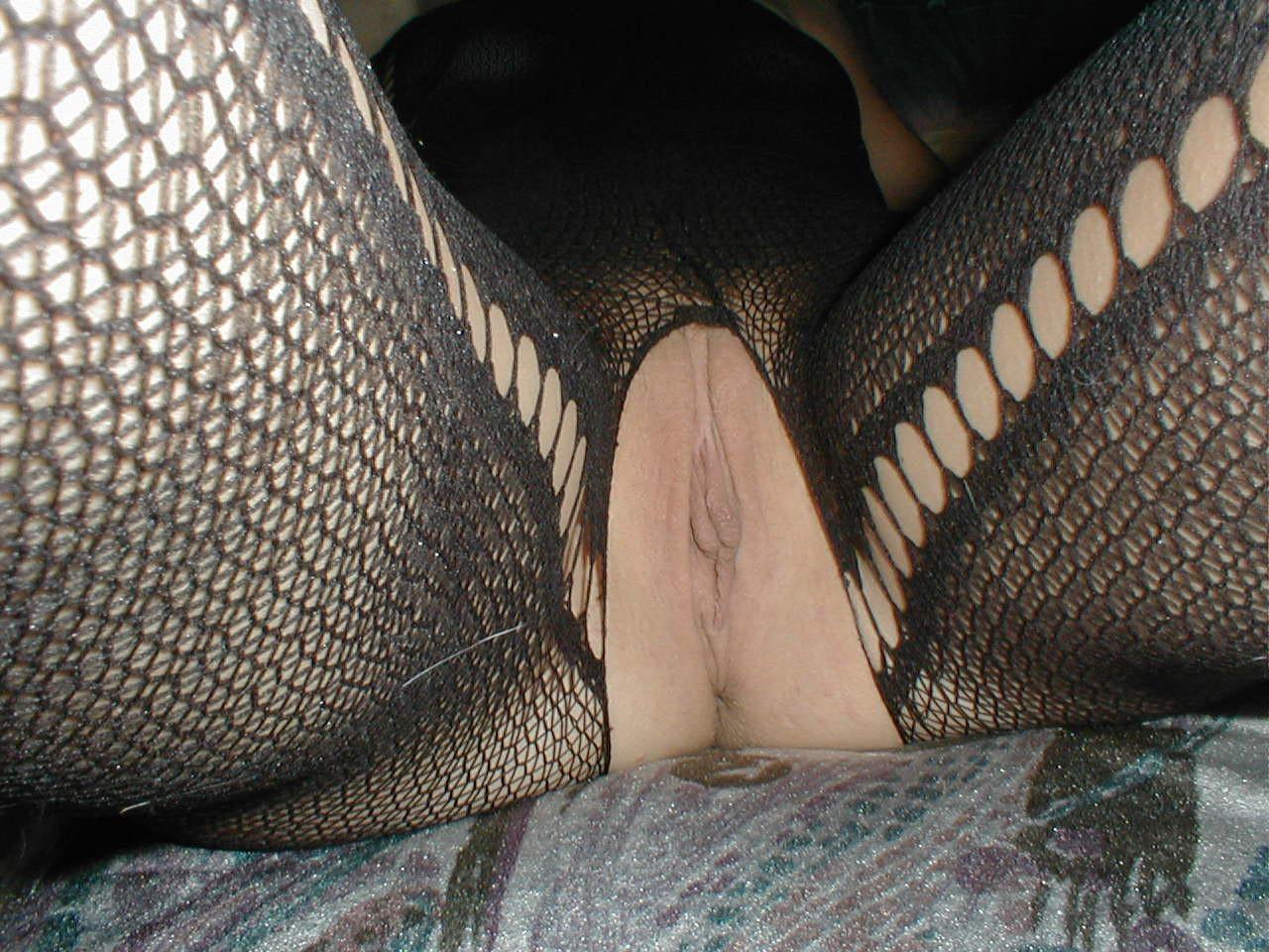http://pbs-2.adult-empire.com/85/8570/019/pic/5.jpg