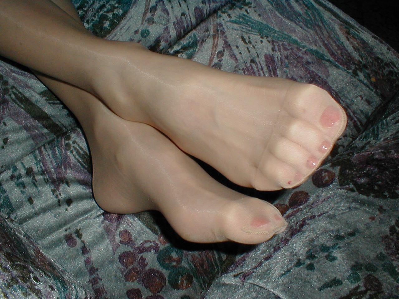 http://pbs-2.adult-empire.com/85/8570/020/pic/10.jpg