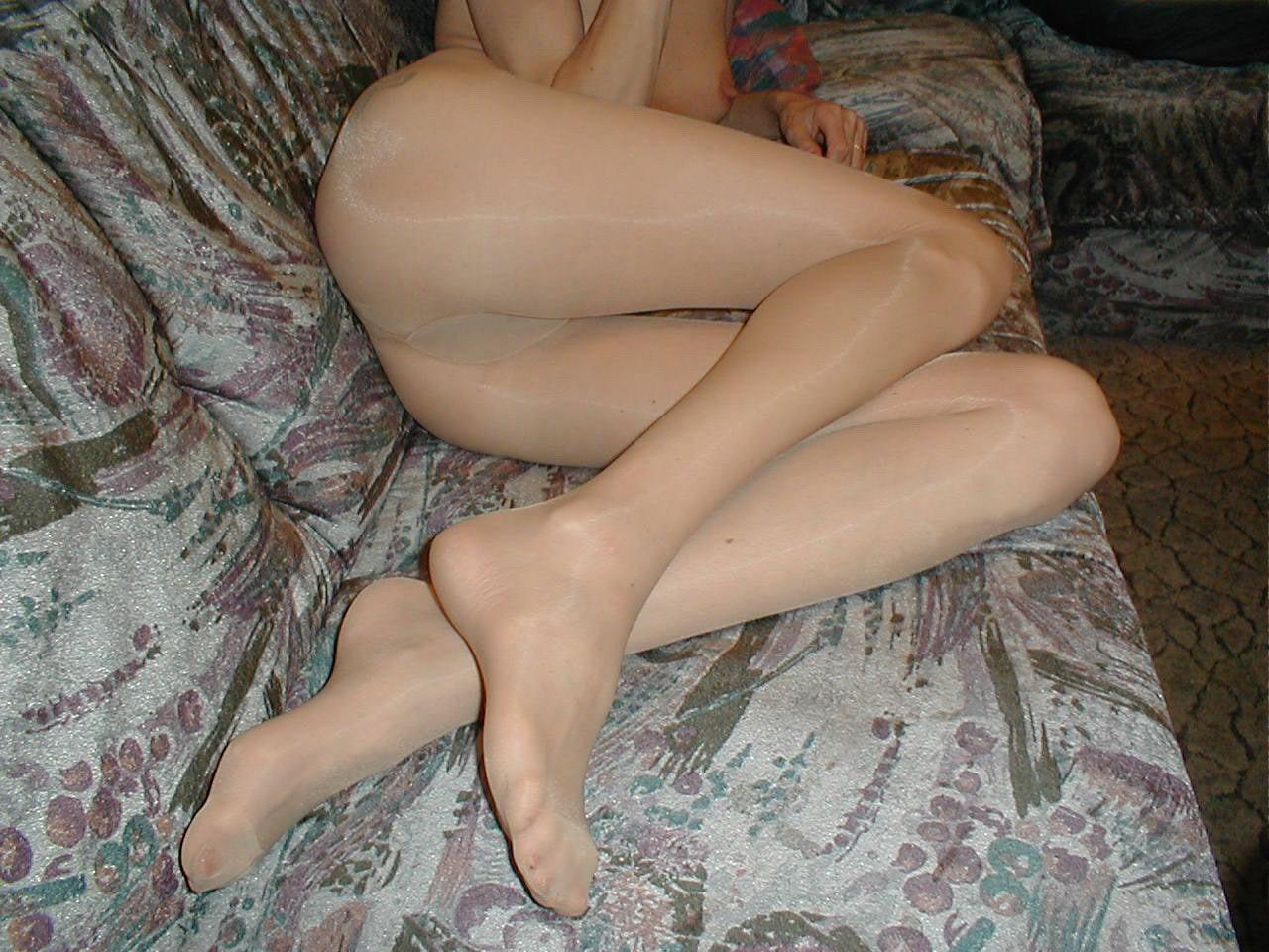 http://pbs-2.adult-empire.com/85/8570/020/pic/3.jpg