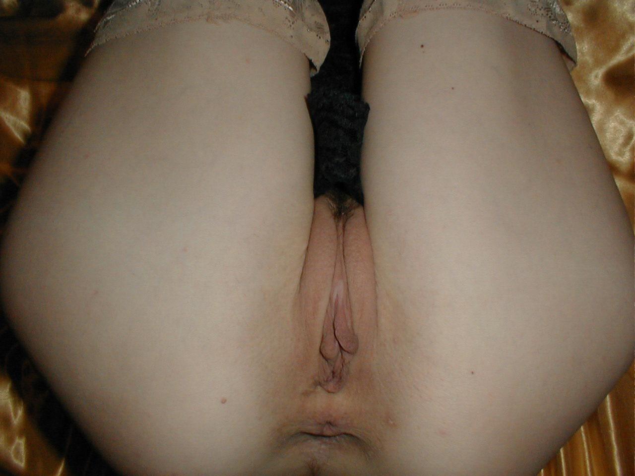 http://pbs-2.adult-empire.com/85/8570/020/pic/4.jpg