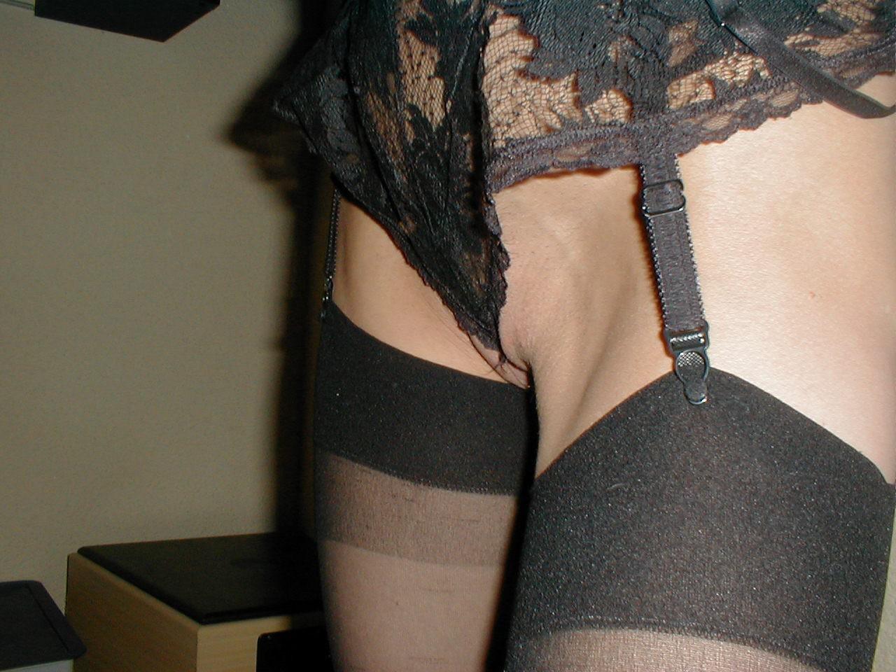 http://pbs-2.adult-empire.com/85/8570/020/pic/8.jpg