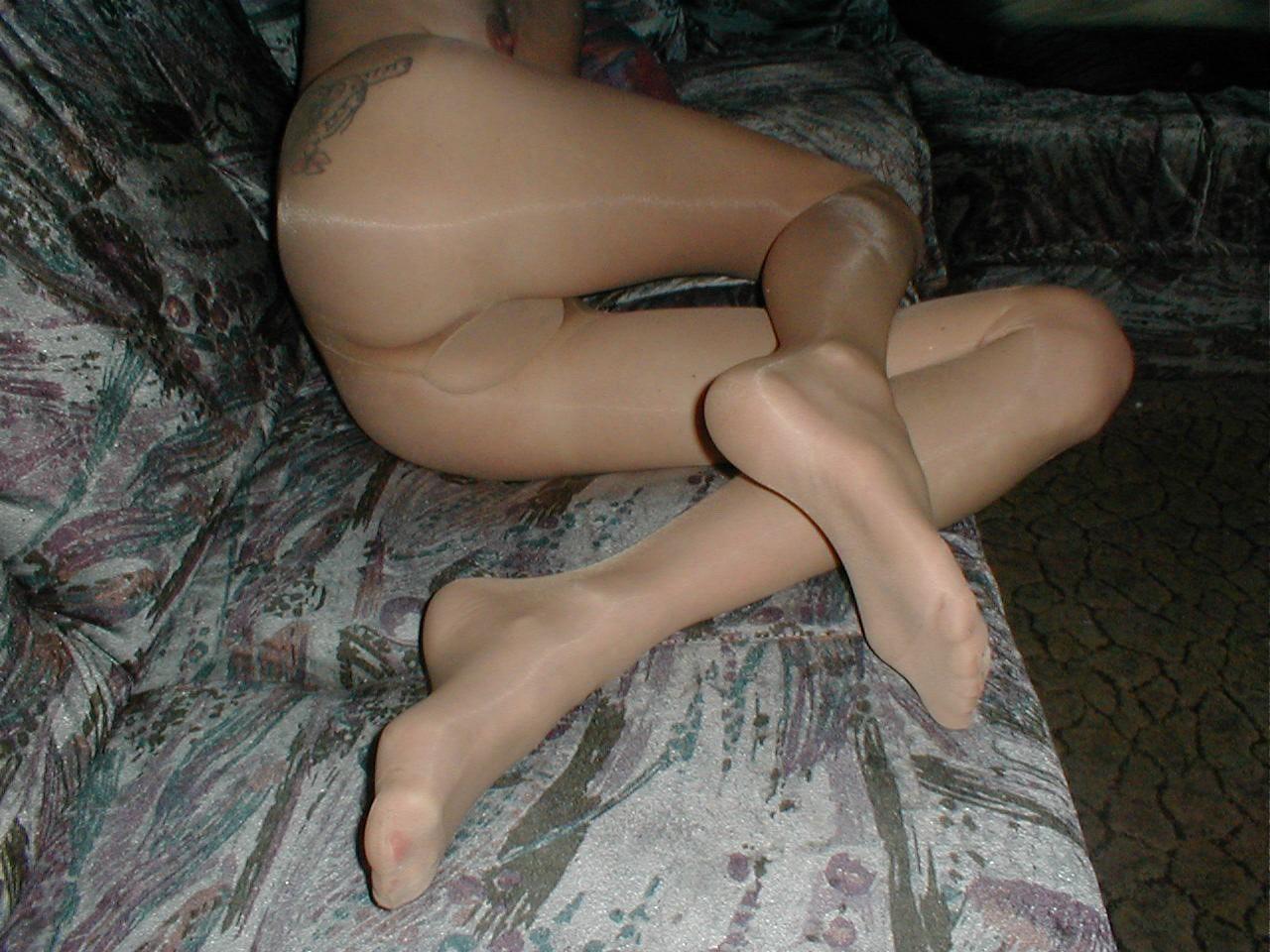 http://pbs-2.adult-empire.com/85/8570/021/pic/8.jpg