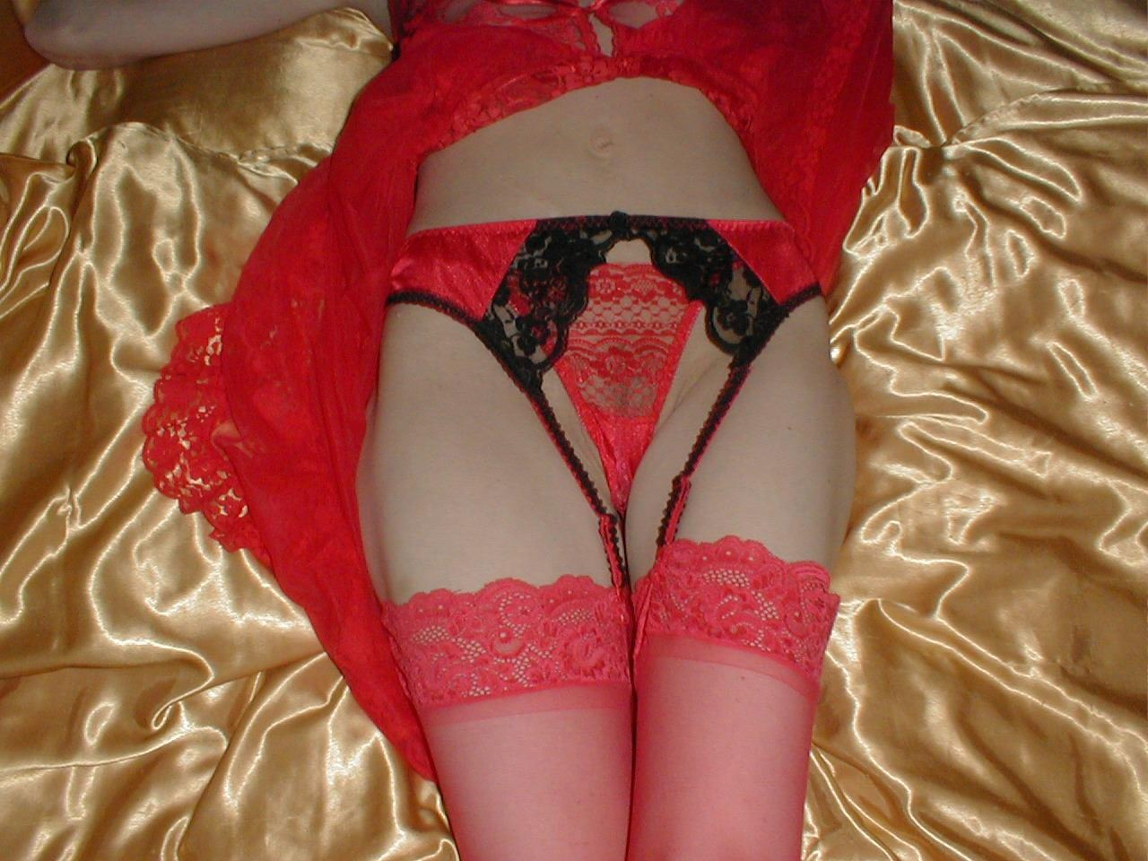 http://pbs-2.adult-empire.com/85/8570/022/pic/2.jpg