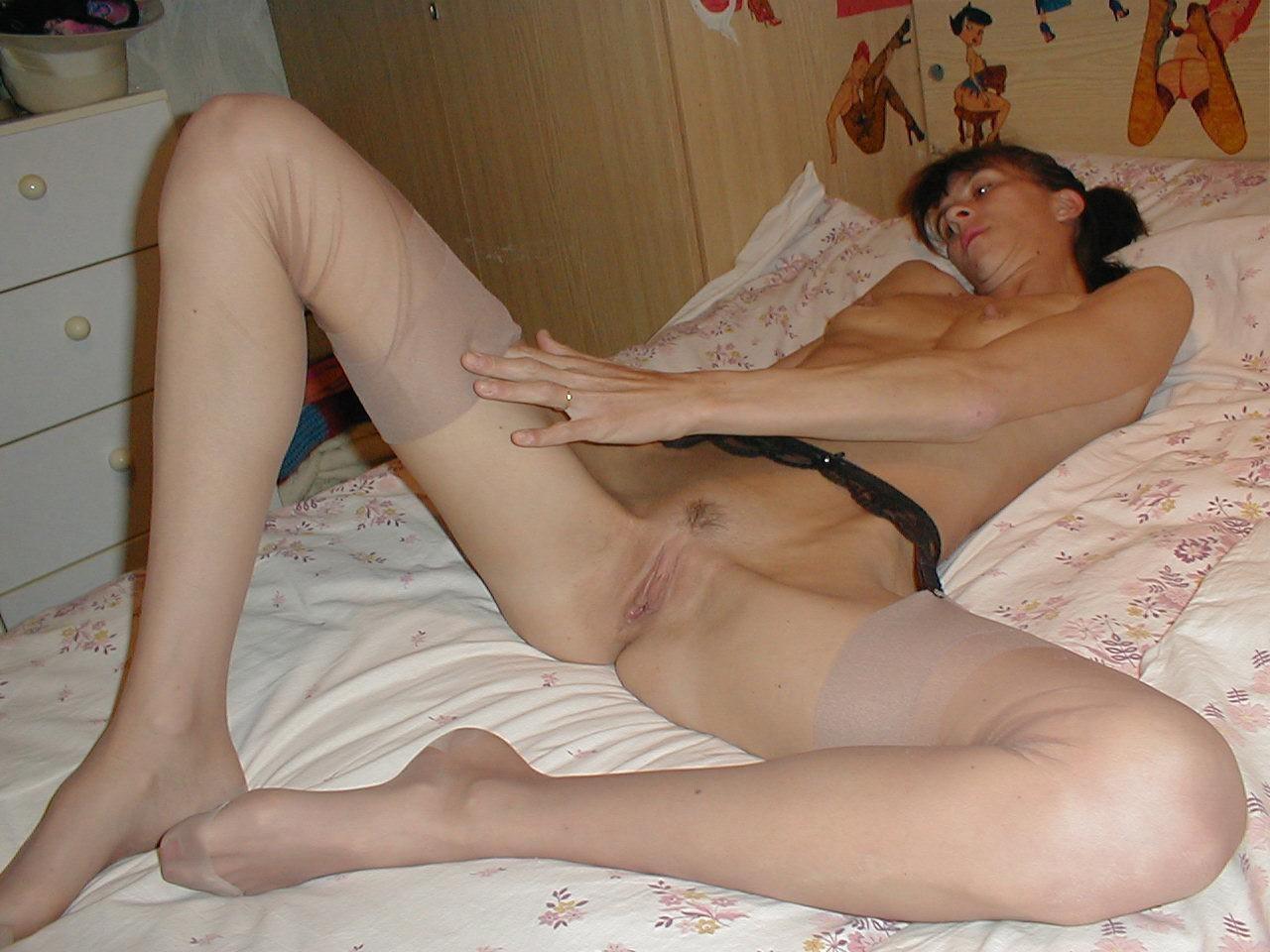 http://pbs-2.adult-empire.com/85/8570/022/pic/5.jpg