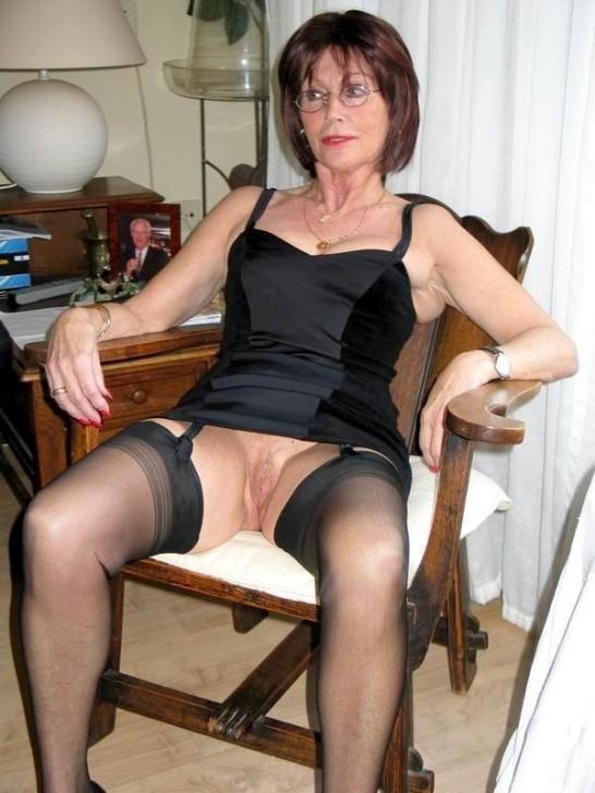 http://pbs-2.adult-empire.com/85/8570/031/pic/7.jpg