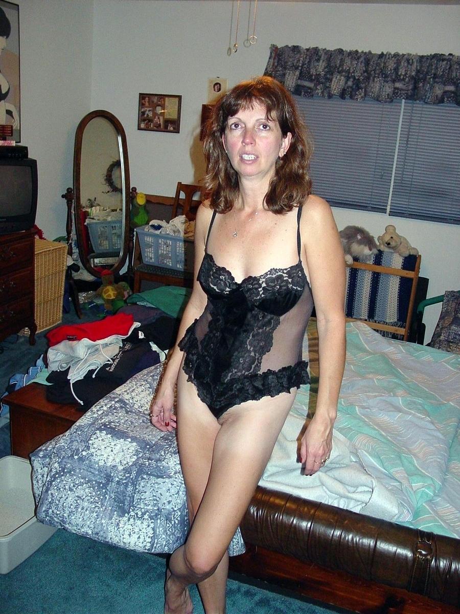http://pbs-2.adult-empire.com/85/8570/039/pic/7.jpg