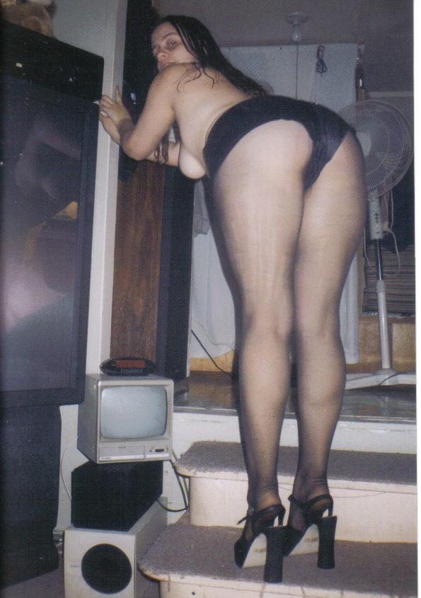 http://pbs-2.adult-empire.com/85/8570/041/pic/3.jpg