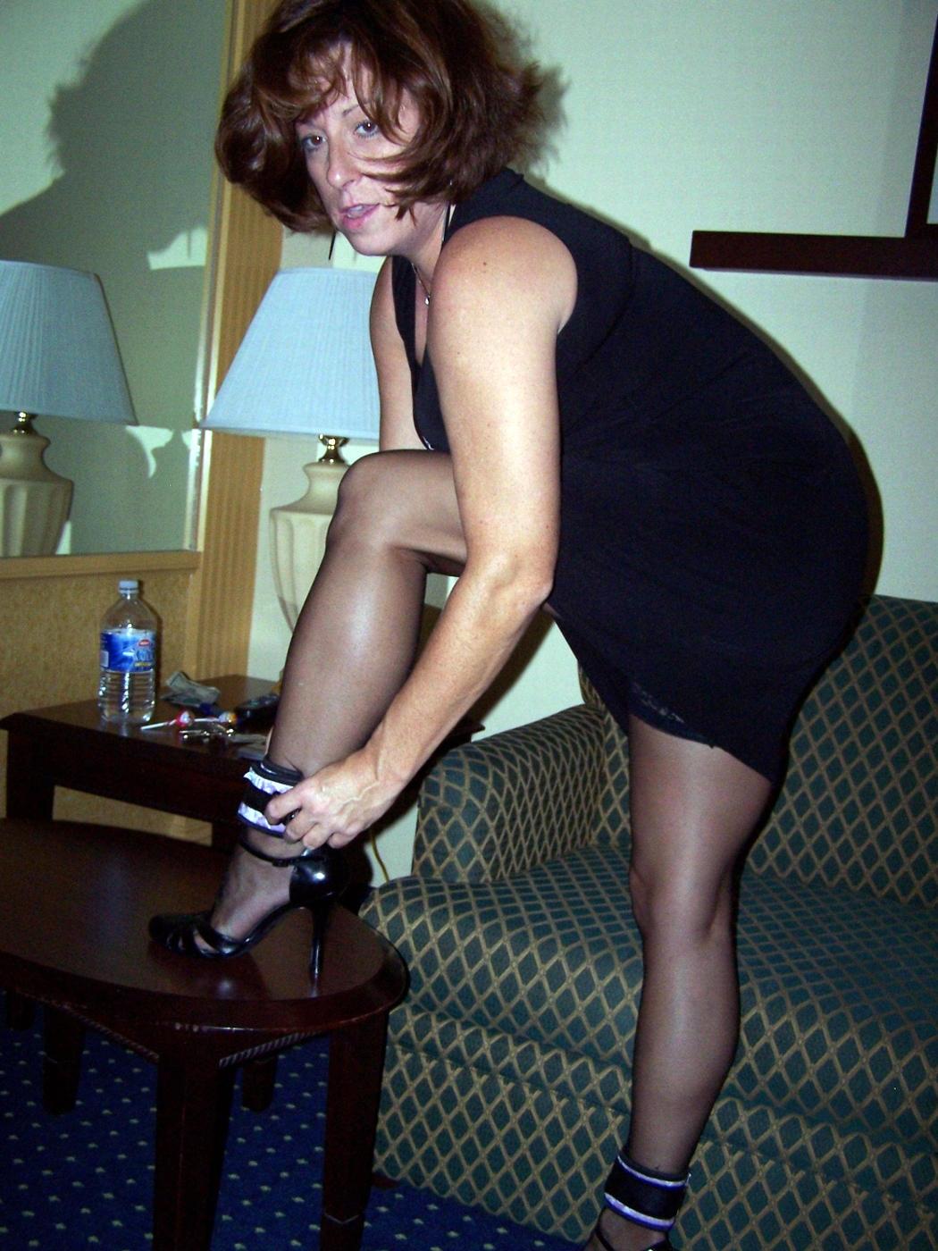 http://pbs-2.adult-empire.com/85/8570/042/pic/9.jpg