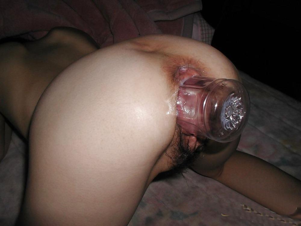 Фото сует толстый член в пизду девушке с нераздвинувшими ногами приеме
