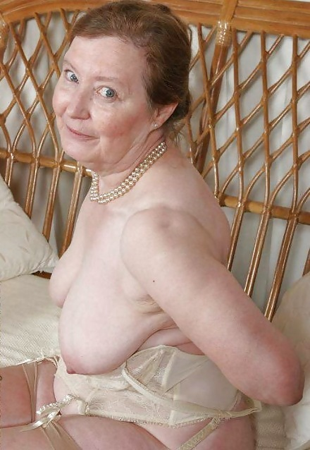Фото реальных голых старых женщин